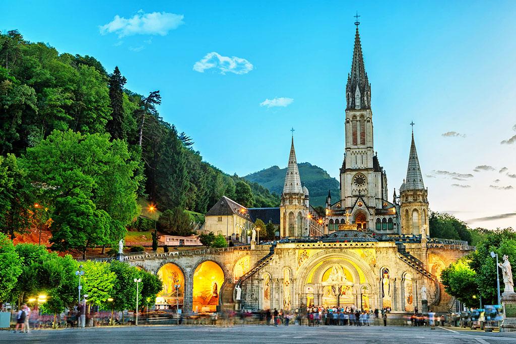 Lourdes, cité mariale