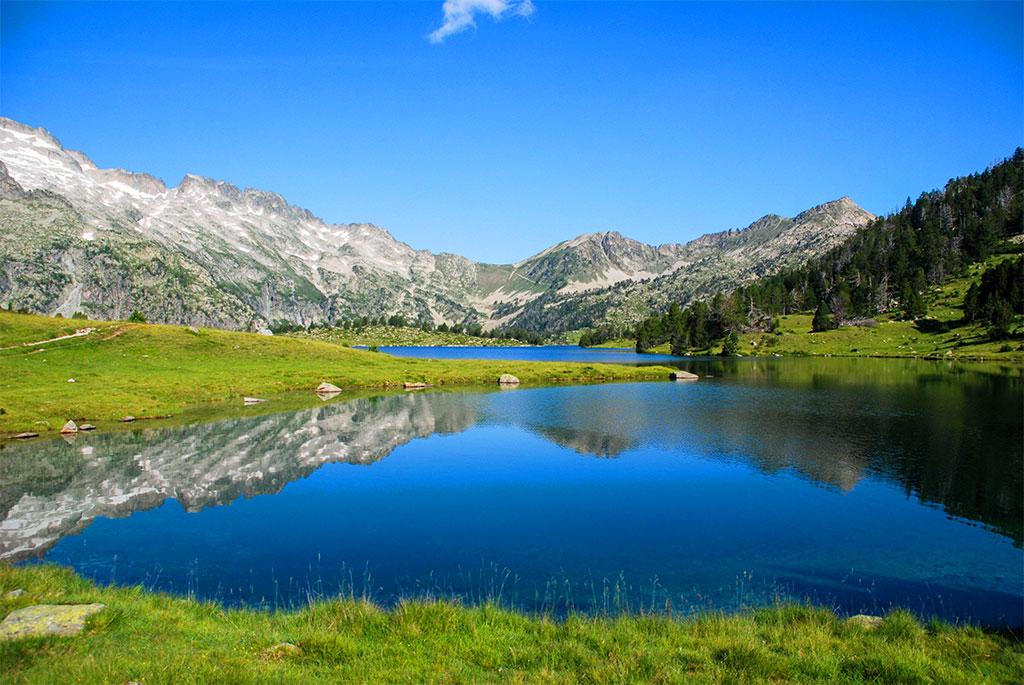 Le lac d'Aumar dans la réserve naturelle du Néouvielle